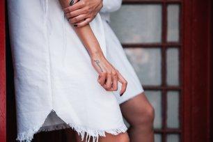 white-dress-and-tattoo_4460x4460
